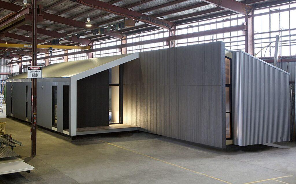 Готовый домокомплект в цеху завода Prebuilt, Австралия