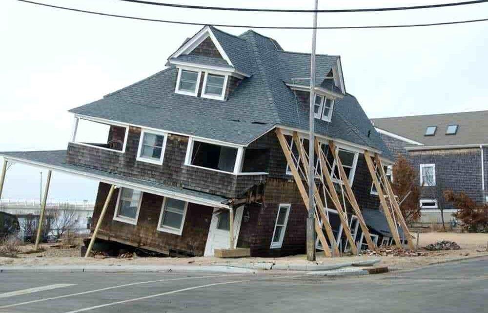 7 распространенных ошибок тех, кто строит дом самостоятельно. Фото - BUILD